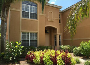 5/4 Single Family Property in Naples for $529K