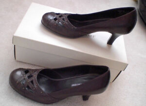 Naturalizer Brown Heels