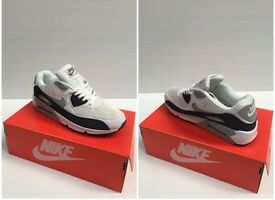 Nike Air Max Trainers White/Navy