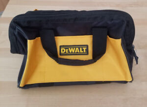 DEWALT 1-DCB115 12v/20v Max Charger 1-Nylon Carry Bag  NEW