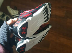 Under armour size 10.5 mens amd womans shoes