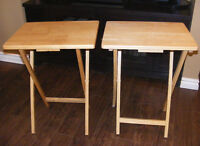 2 Tables Pliantes en Bois
