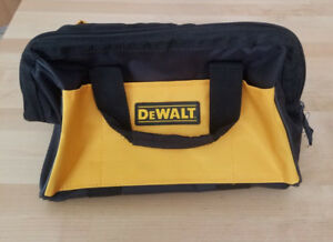 Dewalt 5.0AH 20v Battery with charger Plus Case Brand New