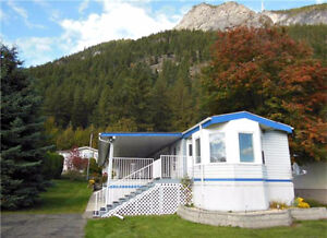 TAPPEN - Retire in style! 2+Bedroom/2 Bath Mobile Home