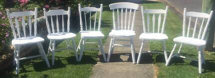 Batch of 6 White Wooden Shabby Chic Dining/Kitchen Chairs