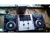 X2 Newmark NDX 200 CD turntables and 1 Numark M101 MIXER