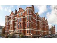 3 bedroom flat in Hamlet Gardens, Ravenscourt Park, London W6