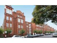 1 bedroom flat in Hamlet Gardens, Ravenscourt Park, London W6