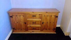 Stylish chest of drawer