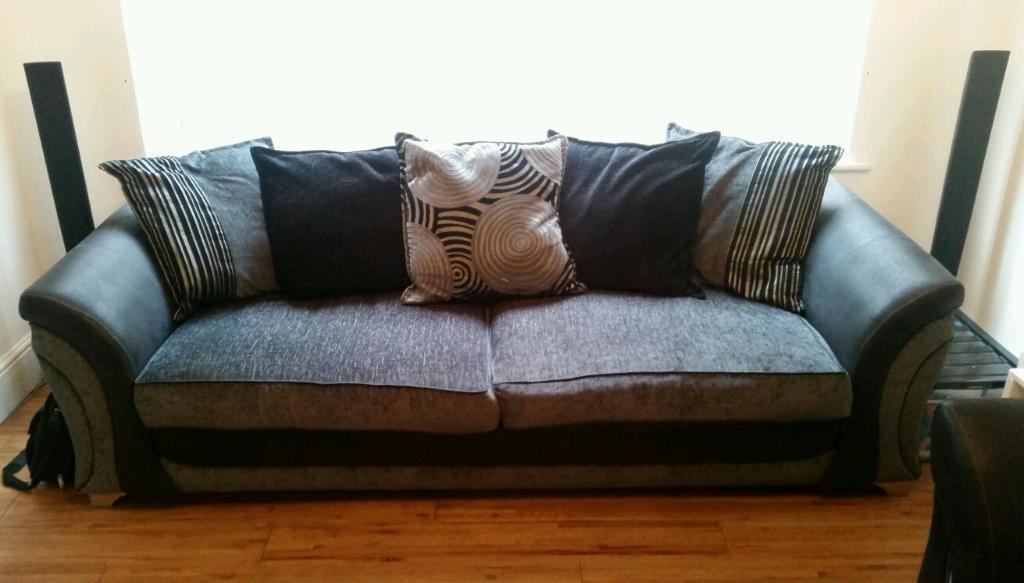 Dfs 4 Seater And Single Seater Sofa In South East London