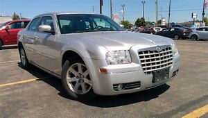 2007 Chrysler 300 Touring, Leather, Power Seat, Low KMS, Local T