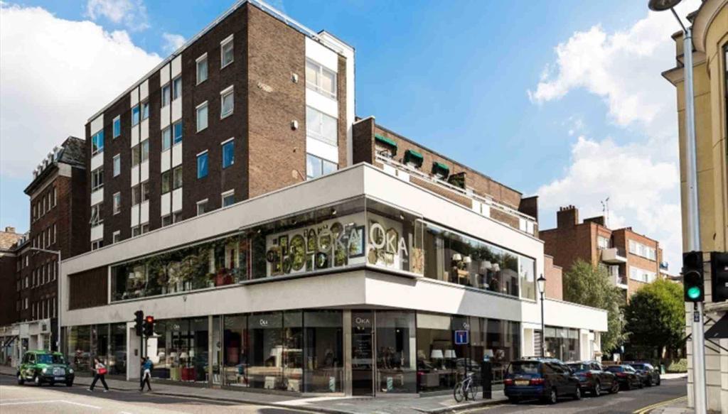 2 bedroom flat in Fulham Road