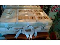 L@@k Stunning vintage shabby chic wedding cards suitcase and doilies bunting