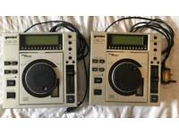 Pair of Gemini CDJ-20 CD DJ Decks
