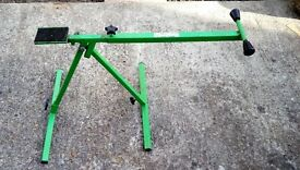 Bicycle bike maintenance stand