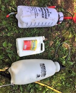 Amine 400 Broadleaf Weed Killer with 2L and 3 L Sprayer Jugs