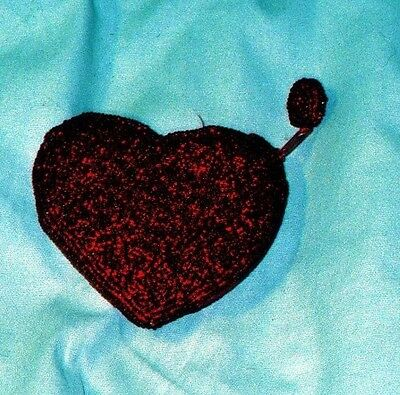 Heart shaped red beaded jewerly purse ()