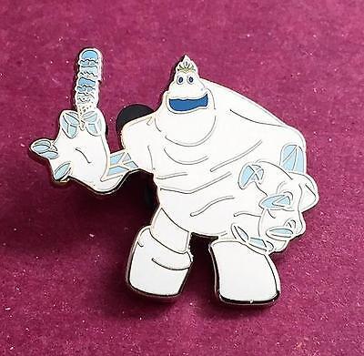 Disney DSF DSSH Marshmallow from Frozen Pin Traders Sundae LE 500 GWP PTD](Marshmallow From Frozen)