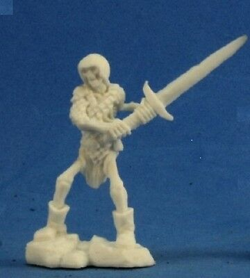 Reaper Bones 77238 Skeleton Guardian 2H Sword - Bones Skeleton