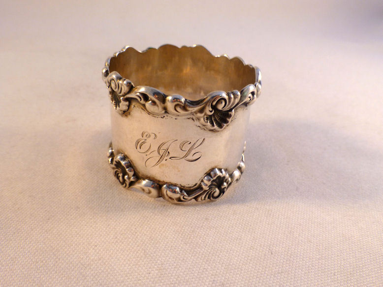 Towle Sterling Applied Shell Design Napkin Ring
