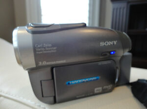 Sony Handycam DVD Recorder #DCR-DVD403 - Perfect Working Order Kitchener / Waterloo Kitchener Area image 8