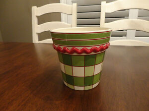 Set of Three Decorative Ceramic Containers $9.00/for all 3 Kitchener / Waterloo Kitchener Area image 8