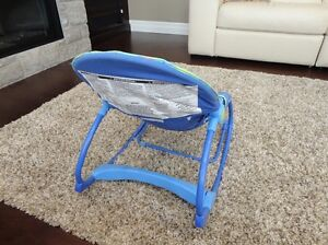 Fisher Price Calming Vibrations Rocker Chair - Excellent Shape Kitchener / Waterloo Kitchener Area image 2