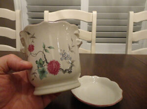 Set of Three Decorative Ceramic Containers $9.00/for all 3 Kitchener / Waterloo Kitchener Area image 6