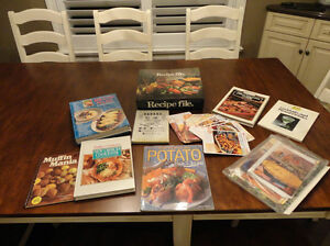 9 Recipe Books and a Large Recipe Accordian Organizer all $6.00