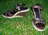 Sandales, de marques NEVADA, À VENDRE!!!