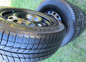 215 60 R16 *Winter Tires *MICHELIN *X-ICE Xi3 *RIMS *Like B/NEW!