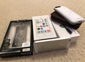 iPhone 5S with Mophie Juice pack, running super fast iOS9