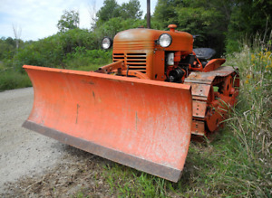 Restored 1945 Cletrac HG-42 Crawler with electric snowblade