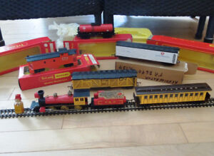 2 sets complets + lot de wagons + transformateurs Tri Ang Hornby