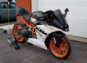 KTM RC 390 2055 KM! (showroom)