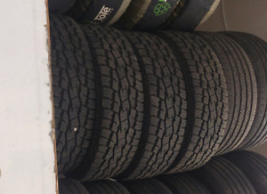 Toyo open country 235/75/r15