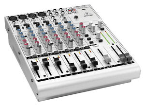 Console Mixer Behringer UB1204-PRO