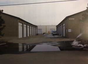 525 SQFT INDUSTRIAL WAREHOUSE BAY IN THE WESTEND FOR LEASE