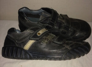 Boys ECCO Shoes - Youth Size 3.5