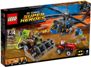 Lego Super Heroes 76054 Scarecrow Harvest of Fear Neuf