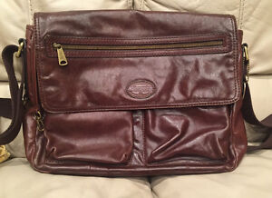 New FOSSIL Original Leather Messenger Bag - Used Once