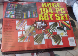 PM110 Huge 194 Piece Art Set w/ Convenient Carrying Case