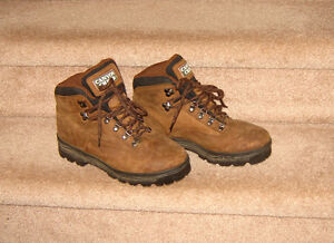 Canyon Creek Thinsulate Hikers - size 8