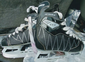 Size 11J kids ccm intruder hockey skates