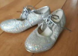 Child's tap shoes size 9