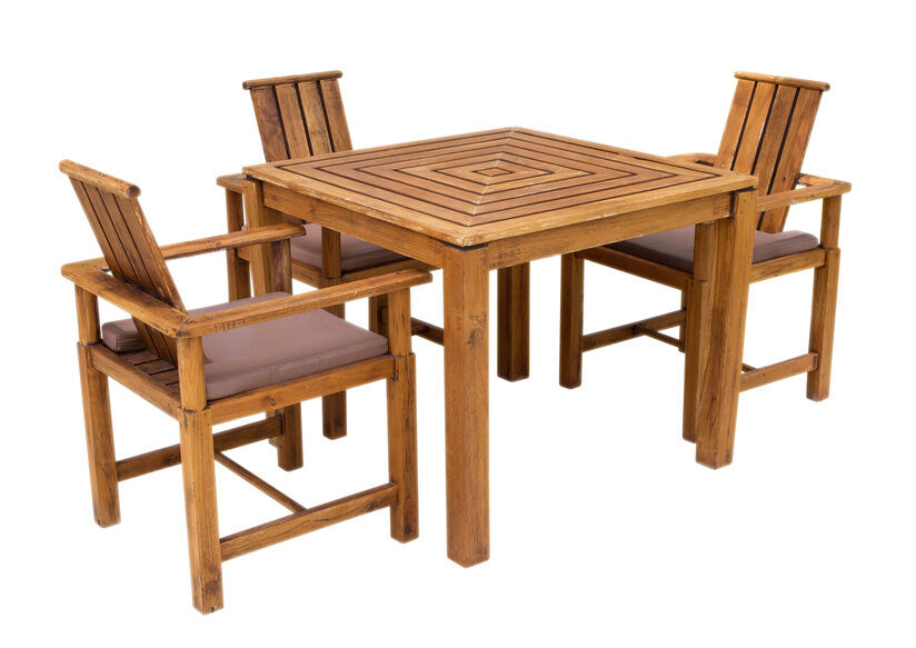 How to Protect Wooden Garden Furniture