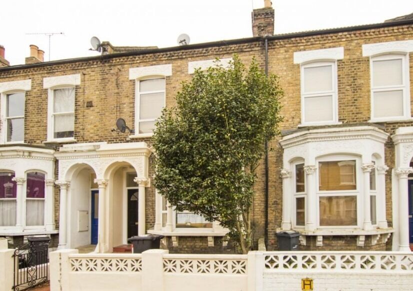 Absolutely Stunning 4 Bed House- Stockwell