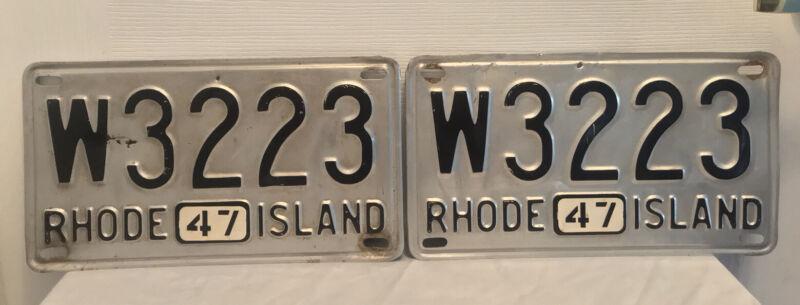 Vintage Matching Set 1947 Rhode Island RI License Plates ( W 3223 )