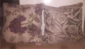 2 cushions (NEW)