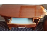 Desk- 4* Accomodation Clearance- Excellent Condition